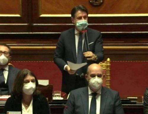 """""""La rabbia della gente"""". Giuseppe Conte dice che senza di lui crolla l'Italia: disperato appello ai voltagabbana"""