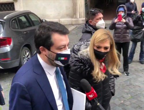 Matteo Salvini seppellisce Giuseppe Conte: in Senato squallida compravendita