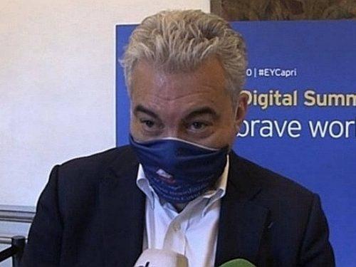 Domenico Arcuri chi? L'Ue difende Pfizer. È rissa sui vaccini mancanti