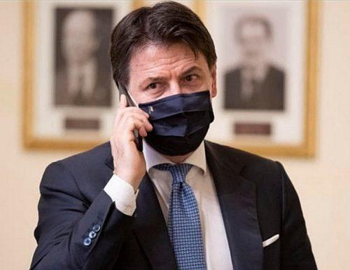 Il tentativo disperato di Giuseppe Conte: il premier chiama Matteo Renzi. Cosa si sono detti?