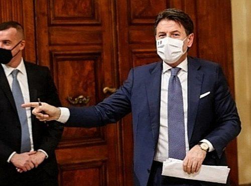 """Casalino e Conte """"hanno pagato con soldi pubblici un sondaggio sul gradimento del premier"""": Italia Viva a valanga su Palazzo Chigi"""