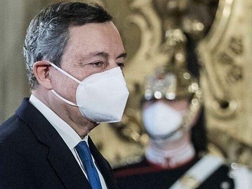 Retroscena Mario Draghi furioso con i 5 Stelle: hanno sospeso il voto su Rousseau per far fuori Matteo Salvini