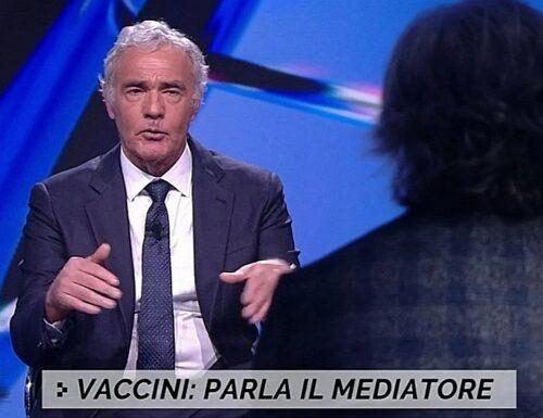 """Da Giletti Non è l'Arena, il mercato nero dei vaccini e il mediatore anonimo: """"Fiale in frigo e camion pieni di dosi"""", le confessioni-choc"""