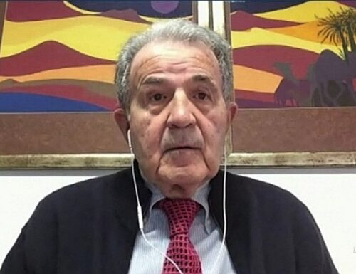 """L'aria che tira, Prodi gli insulti a Luca Zaia: """"Vaccino, il mercato parallelo è delinquenziale"""""""