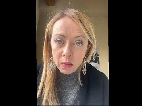 """Giorgia Meloni annuncia querela per le fake news su """"Repubblica"""" su presunti Affari con i rom:«Metodi da regime» (video)"""