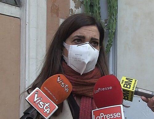 L'ultimo delirio di Laura Boldrini: per difendersi raschia il fondo