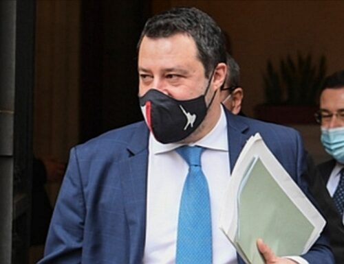 Governo spaccato sul nuovo dpcm. Matteo Salvini vuole riaprire tutto, il Pd frena