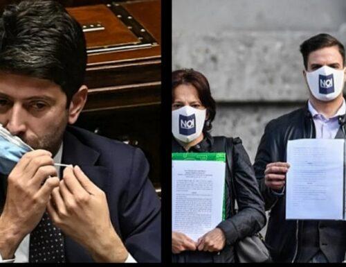 Bergamo, esplode la rabbia dei familiari delle vittime del Covid: «Il ministro Speranza deve dimettersi»