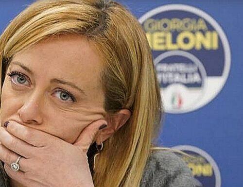 Giorgia Meloni: «Follia». Ristoranti, l'ultima mazzata: senza spazi all'aperto aprono a giugno e solo a pranzo
