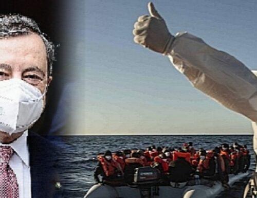 """""""I porti restano aperti"""". Il governo Draghi come quello di Giuseppe Conte, rassegnato all'assalto dei migranti"""