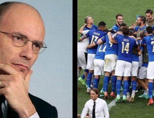 """""""Black lives matter"""", dalla Nazionale schiaffo a Enrico Letta. """"Azzurri"""" in piedi nel match contro l'Austria"""