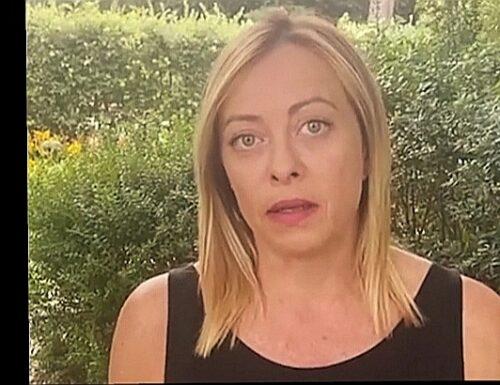 """Giorgia Meloni: """"Portavoce dei talebani fa propaganda su Twitter. Trump bannato a vita. Pazzesco"""""""