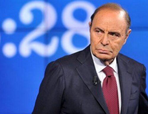 """""""Mario Draghi, i 6 mesi che hanno cambiato l'Italia"""". Bruno Vespa seppellisce Giuseppe Conte (e Travaglio), senza citarli"""