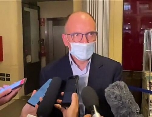 Enrico Letta: «La nostra bandiera è lo Ius Soli». Poi la spara grossa: «I giovani stanno venendo da noi»