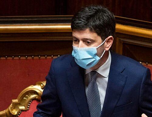 """Ipotesi Green pass valido per 12 mesi. Ministro Speranza: """"Obbligo? Stiamo decidendo"""""""