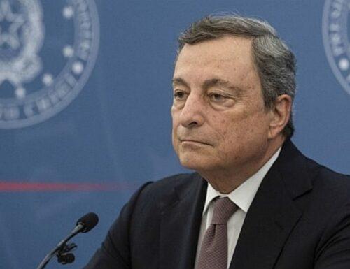 """Green pass, Draghi """"tira dritto"""". Indiscrezione: a chi lo vogliono estendere"""