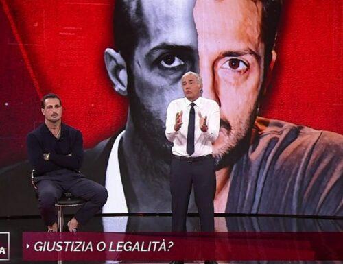 """Fabrizio Corona smonta la sinistra: """"Lucano viene difeso da tutto l'establishment"""""""