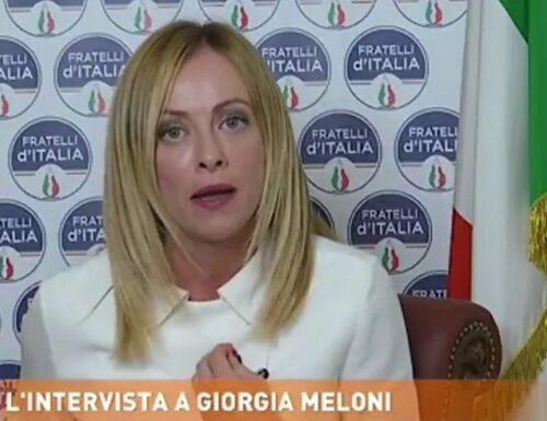 """Dritto e Rovescio, cannonata della Meloni contro Fanpage: """"Ma dal cane della Cirinnà non ci vanno…"""""""
