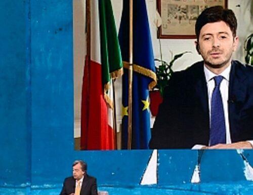 """Vaccino, il ministro Speranza da Fazio torna a minacciare l'obbligo: """"È previsto dalla Costituzione"""""""